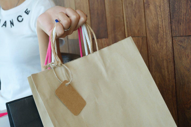 Lojas de Moda Evangélica e Executiva ou Lojas Tradicionais — Como Decidir sua Compra?