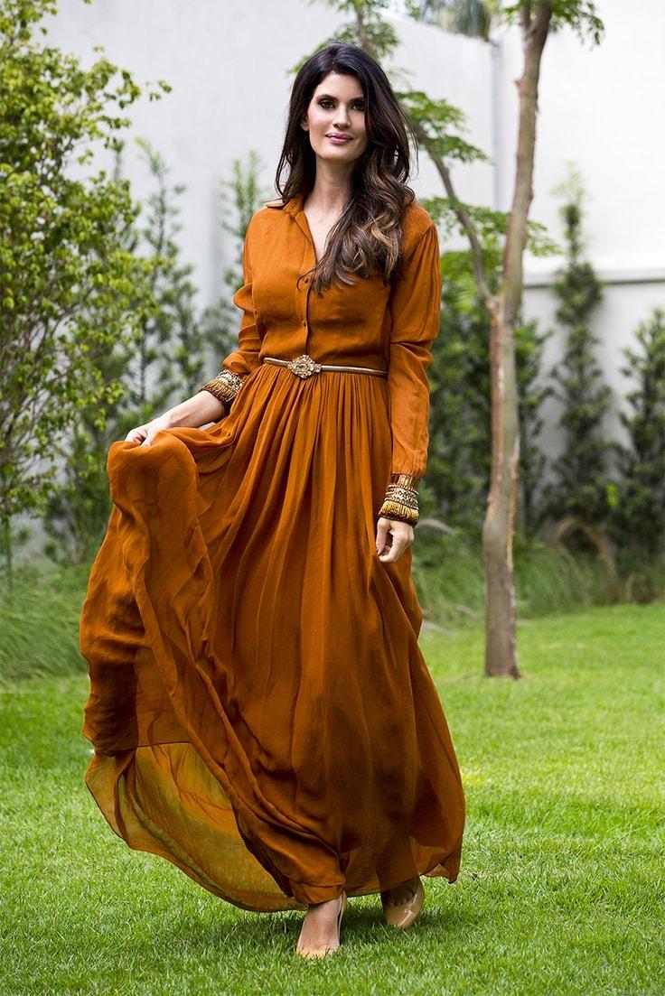 Isabella Fiorentino com vestido leve / Reprodução Pinterest