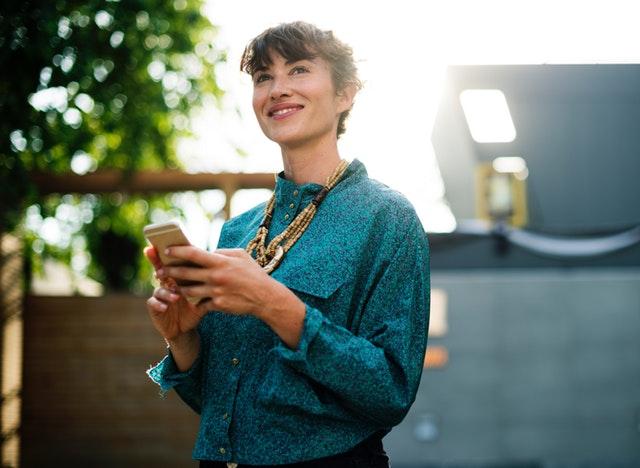 Qual Blogueira Evangélica Seguir? Conheça Influencers Inspiradoras!