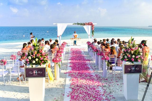 Como e Onde Escolher Vestidos de Festa de Casamento?