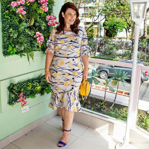 Look passeio — vestido de moda plus size on-line